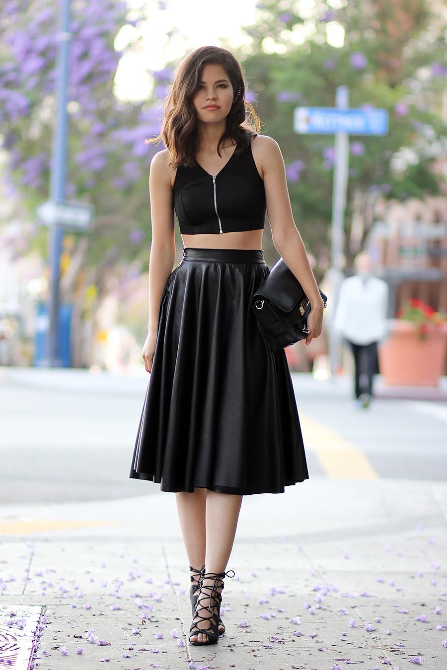 Croptop mix cùng chân váy xòe dài ấn tượng