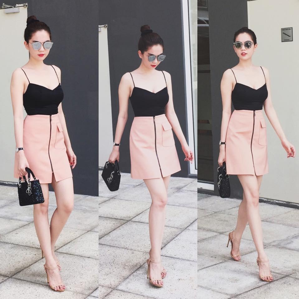 Ngọc Trinh nổi bật với bộ đồ hồng đen