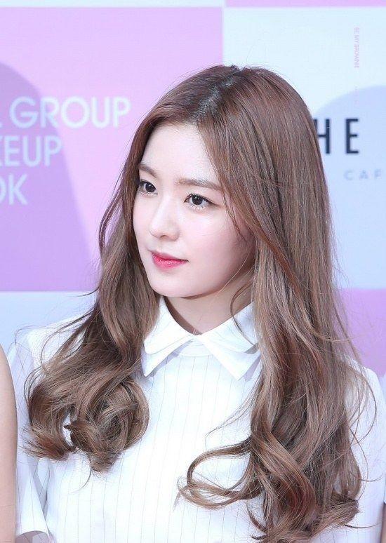 Sao Hàn với tóc ngang lưng