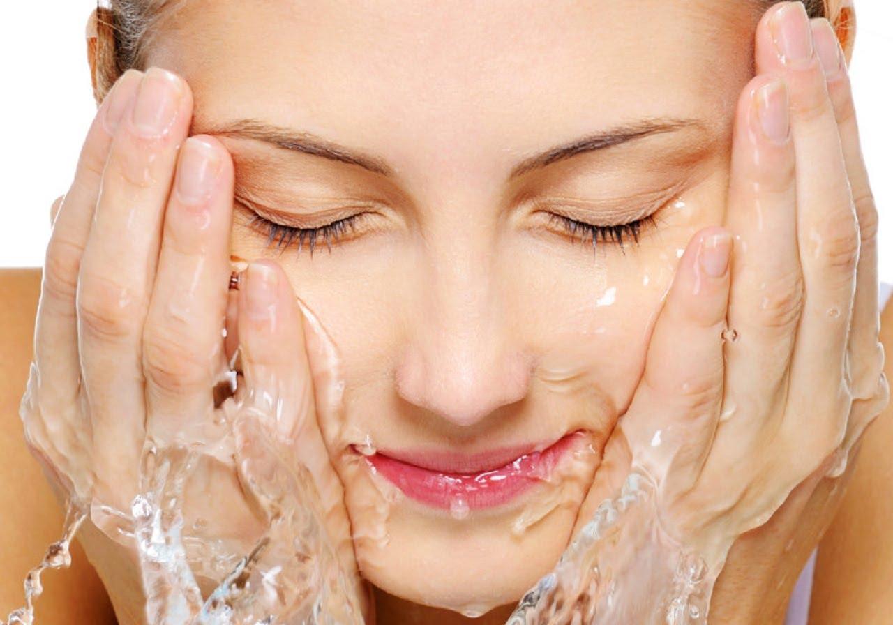 Rửa mặt từ 2- 3 lần